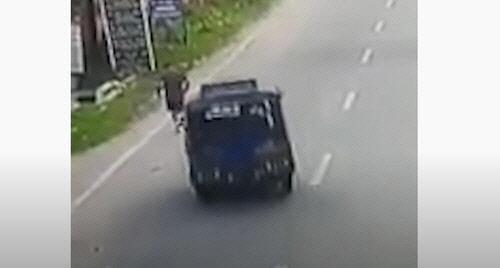 조깅하던 판사 들이받고 도주한 택시…적나라한 피살 영상에 충격